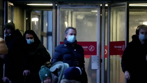 Los casos de covid bajan en Rusia por primera vez de 20.000 en casi 3 meses