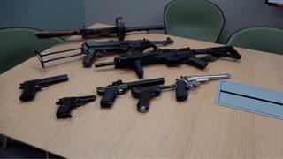 Politiet med stort funn av ulovlige våpen