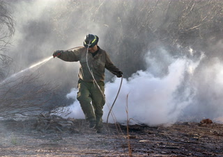 Firefighters contain 10-acre fire at Clark County Wetlands Park – VIDEO
