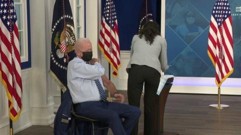 Biden recibió su tercera dosis de la vacuna contra covid-19