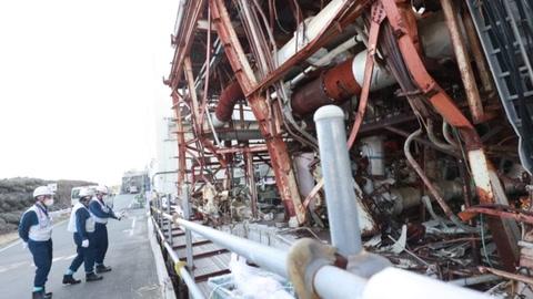 Diez años después de la tragedia, Japón todavía lucha por desmantelar plante de Fukushima