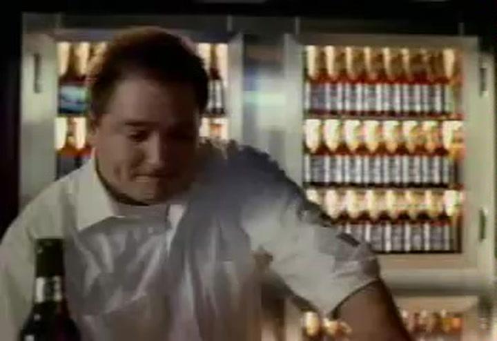 Los anuncios censurados de la Super Bowl: El 'violento' anuncio de una marca de cervezas