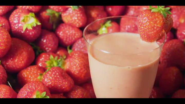 Hvordan lage jordbærsmoothie