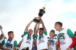 Fenafuth reconoce título de campeón al Atlético Pinares de Ocotepeque y ahora buscará su ascenso directo