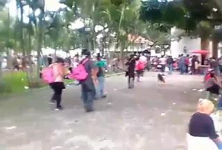 Caravana migrante descansa en Ocotepeque antes de cruzar a Guatemala