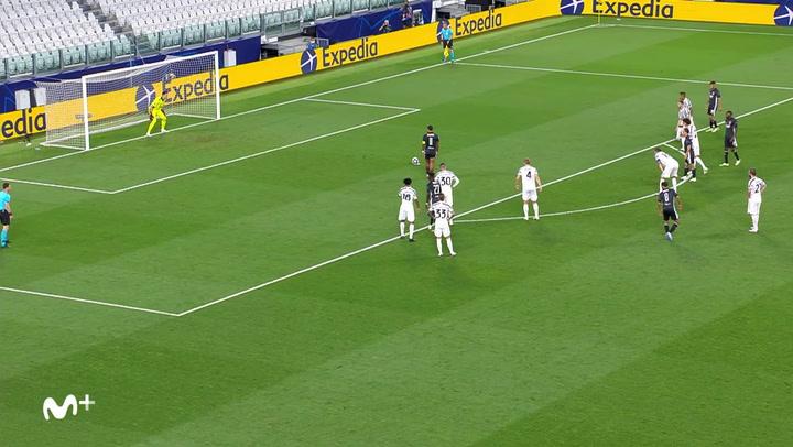 Champions League Juventus-Olympique Lyon. Gol de Memphis Depay (0-1)