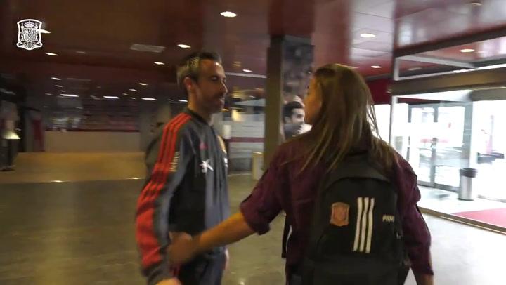 Llegada de las jugadoras internacionales a la Ciudad del Fútbol de Las Rozas