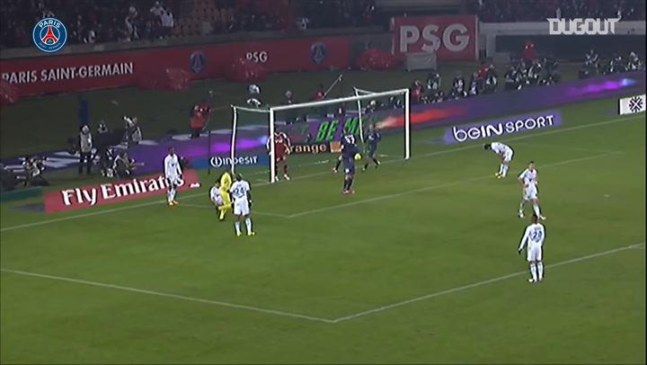Zlatan Ibrahimović and David Beckham combine vs Marseille in 2013
