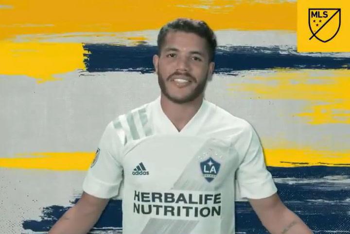 El equipo de cinco jugadores de Jonathan Dos Santos