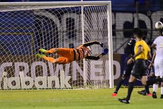 En una y dos: Jonathan Rougier salva el arco de Motagua ante Atlanta United