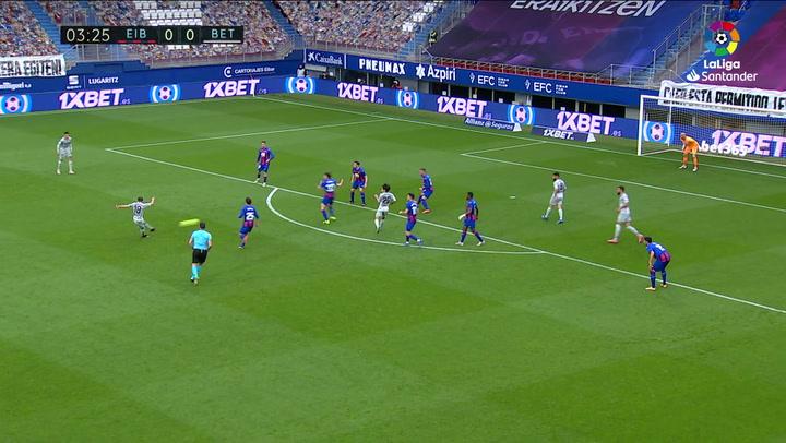 Gol de Guardado (0-1) en el Eibar 1-1 Betis