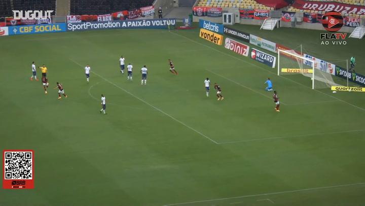 Golaço de Bruno Henrique contra o Bahia no Maracanã