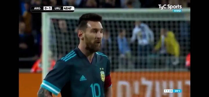 Messi responde a las amenazas de Cavani: