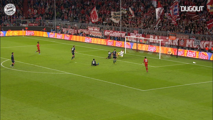 Robert Lewandowski adds the second against Red Star Belgrade