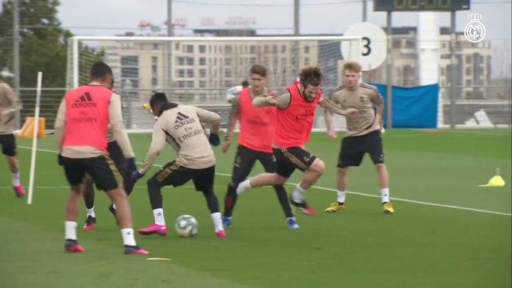 Hazard entrena con el grupo
