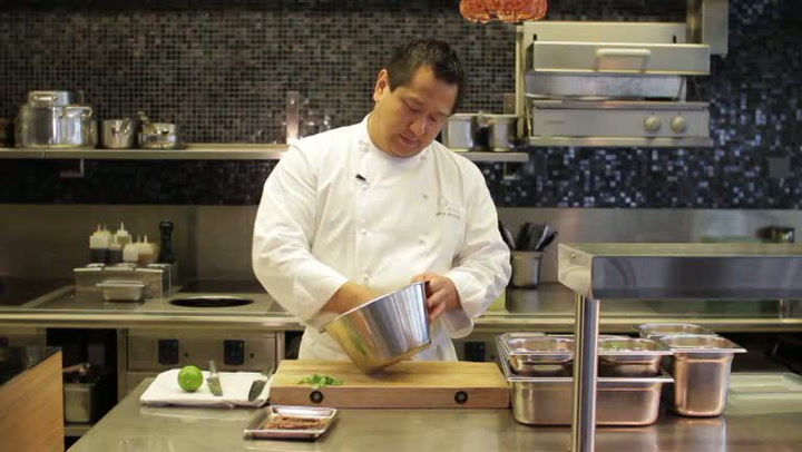 Hvordan lage Spicy Thai Biff Salad