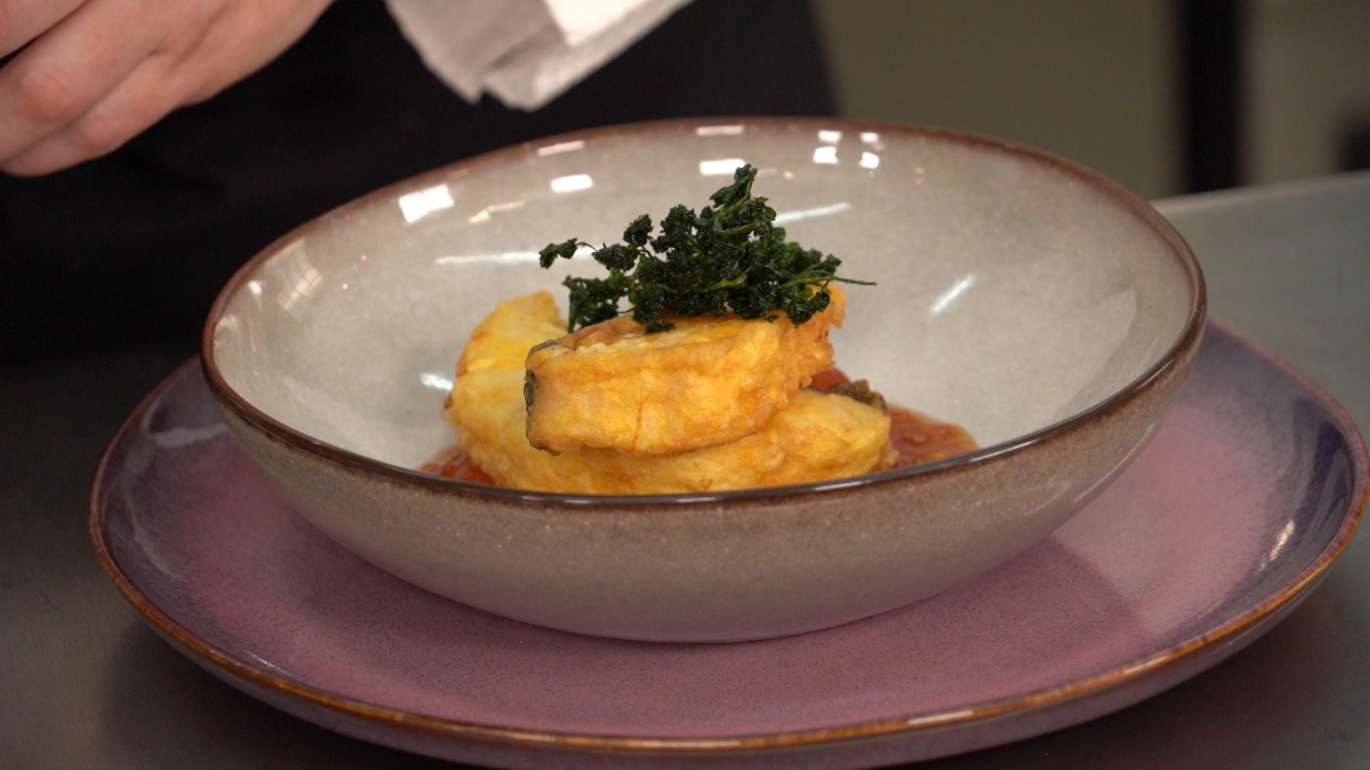 Bacalao con tomate, la receta tradicional