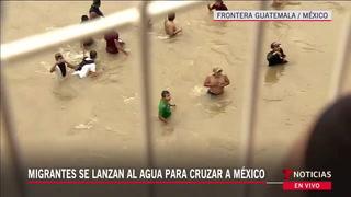 Desesperados se tiran a río los hondureños de caravana migrante
