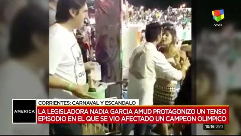 Una diputada le exigió a un campeón olímpico que le de el asiento en el carnaval