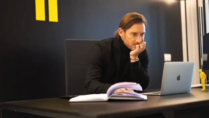 El nuevo proyecto profesional de Totti lejos de los terrenos de juego