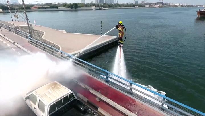 Disse brannmennene er som tatt rett ut av en actionfilm
