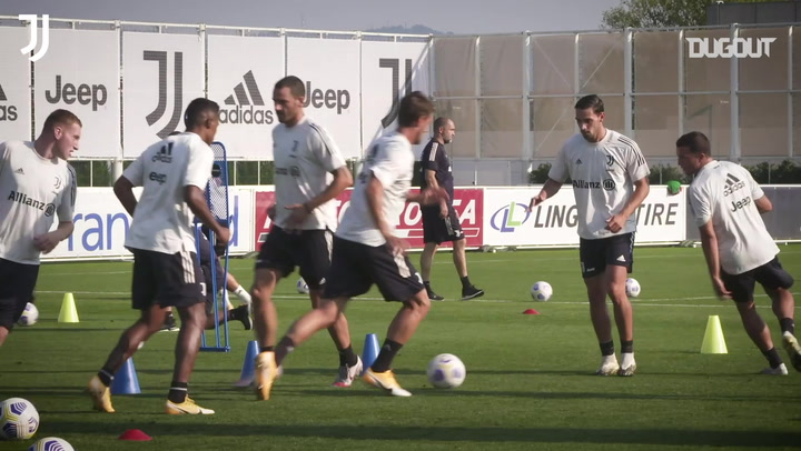 Fast-paced passing drills and practice match for Juventus