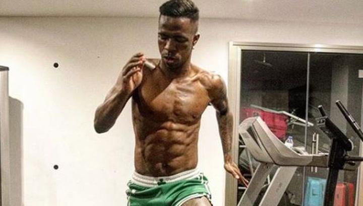 Vinicius muestra su entrenamiento en casa