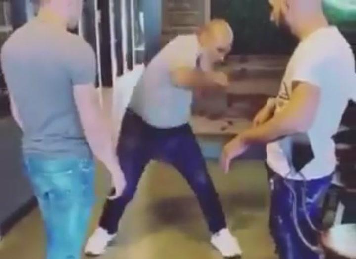 Así se mueve Mike Tyson a los 53 años