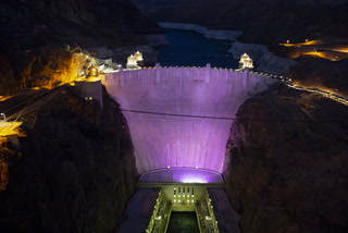 Domestic violence survivor speaks about meaning of Hoover Dam lighting