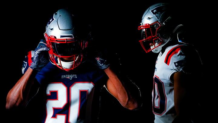 Los Patriots presentan sus nuevas equipaciones para los próximos cinco años