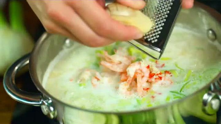 Hvordan lage fiskesuppe med fennikel