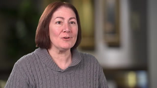 Donna and Dr. Hensing discuss the benefits of targeted drug therapy for her lung cancer.