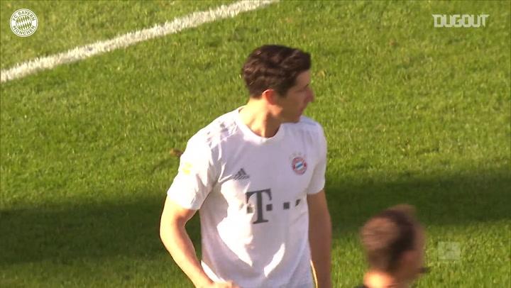 Lewandowski marca em retorno do Bayern após quarentena