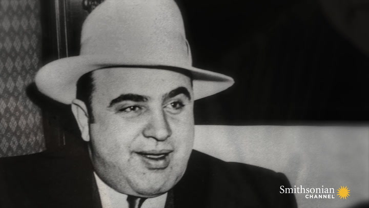 Capone Arrives in Chicago
