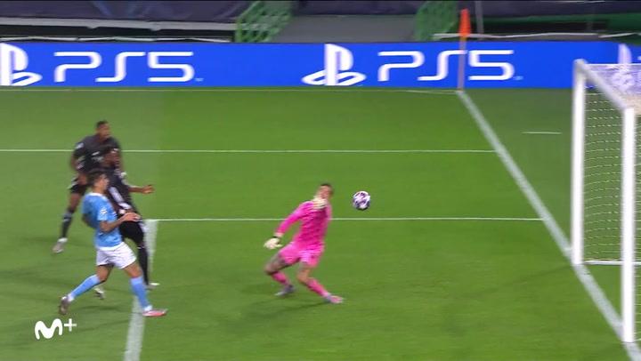 Champions League Manchester City-Lyon. Gol de Moussa Dembélé (1-3)