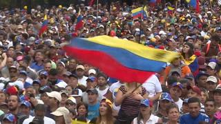Miles de opositores en las calles en rechazo a Maduro