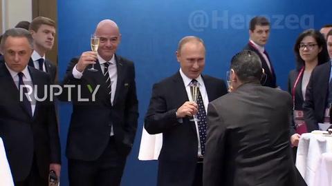 El desopilante diálogo de Maradona junto a Putin en Rusia