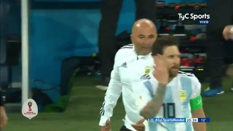 Pongo al Kun, le dijo Sampaoli a Messi y se abrió otra polémica