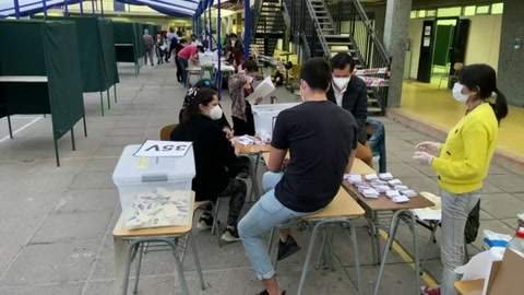 Voto a favor de nueva Constitución en Chile adelante con 77% en plebiscito