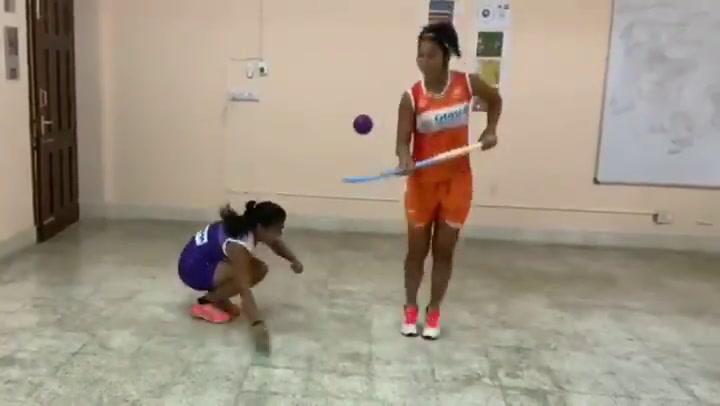 El complicado reto de dos jugadoras indias internacionales de hockey hierba