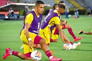 El Deportes Tolima de Roger Rojas recibe permiso para iniciar sus entrenamientos