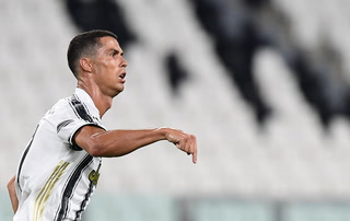 Doblete de Cristiano Ronaldo y la Juventus sueña con la clasificación