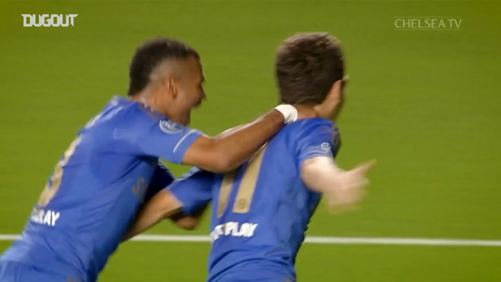 Oscar's stunning first Chelsea goal vs Juventus