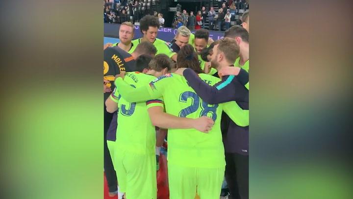 El Barça Lassa de balonmano celebra la victoria en Montpellier