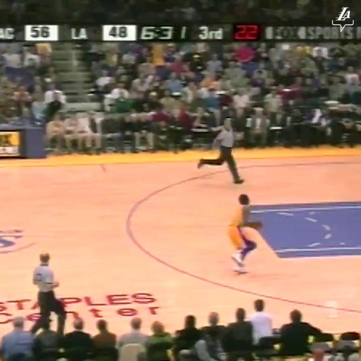 Precioso homenaje de LeBron James a Kobe Bryant. 19 años de diferencia, Mismo Mate.
