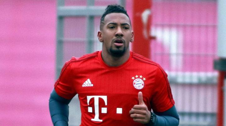 Jerome Boateng se ejercita con el Bayern de Munich