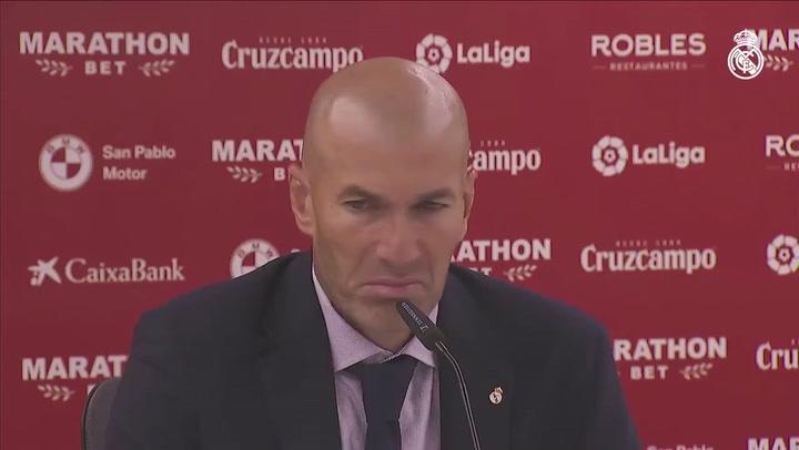 Zidane atiende a los medios tras la victoria ante el Sevilla