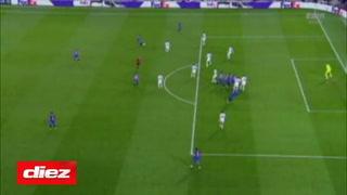 Piqué pone a ganar al Barcelona sobre el Dinamo en la Champions