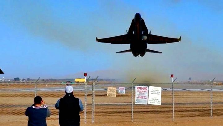 Jagerflypiloten utfordrer flynerdenes nerver