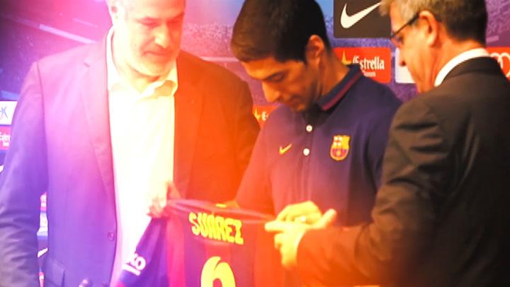 Luis Suarez chia tay Barcelona